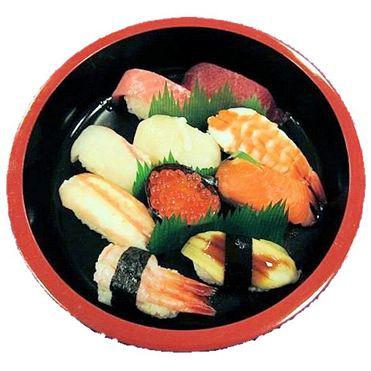 たかが回転寿司を、ごちそうを食べに行くみたいな感じの家族連れって恥ずかしくないの?