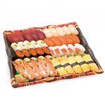 【出前のお寿司予約 トレー】北海道産ほたてが自慢の味わい握り寿司 50貫【わさびあり】